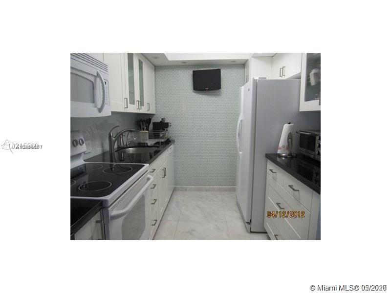 3675 N Country Club Dr #104 For Sale A10864677, FL