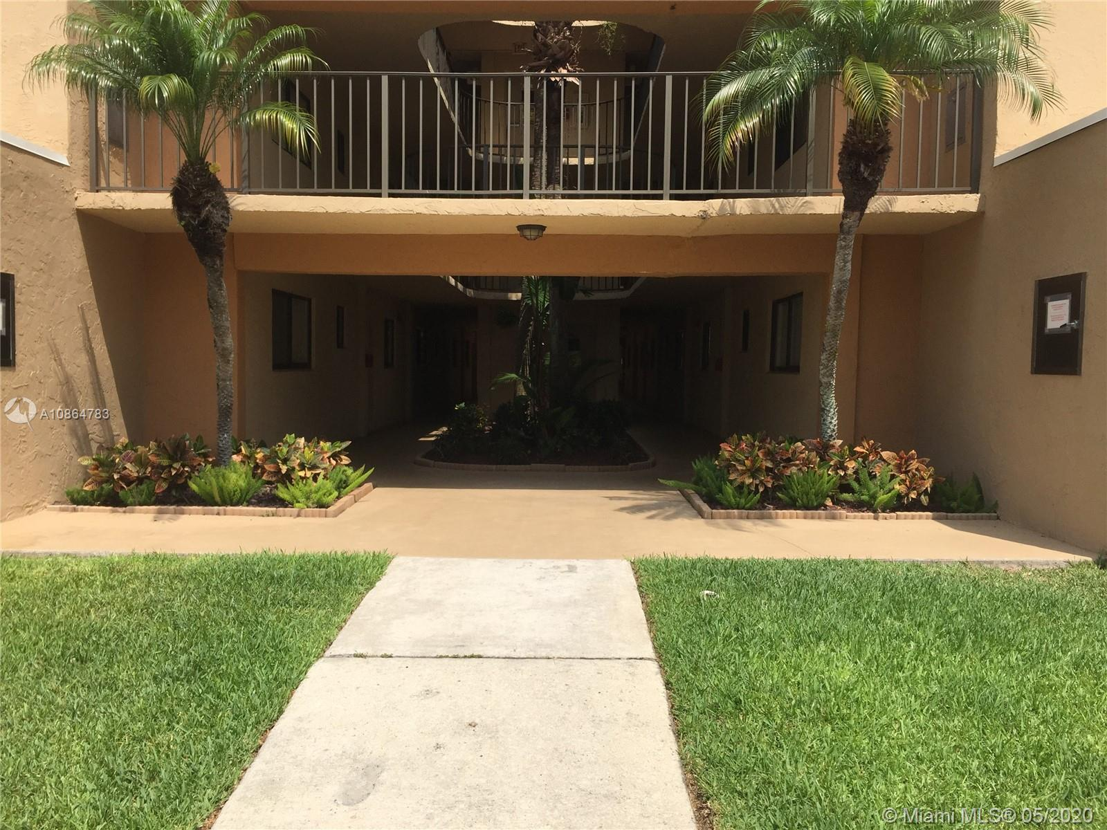 Guard gated community.  Updated 2/2 with large screened balcony.  Enjoy all Horizons amenities including pools, tennis, clubhouse & more.  1st month rent plus 2 months security & good credit required.  NO EXCEPTIONS!