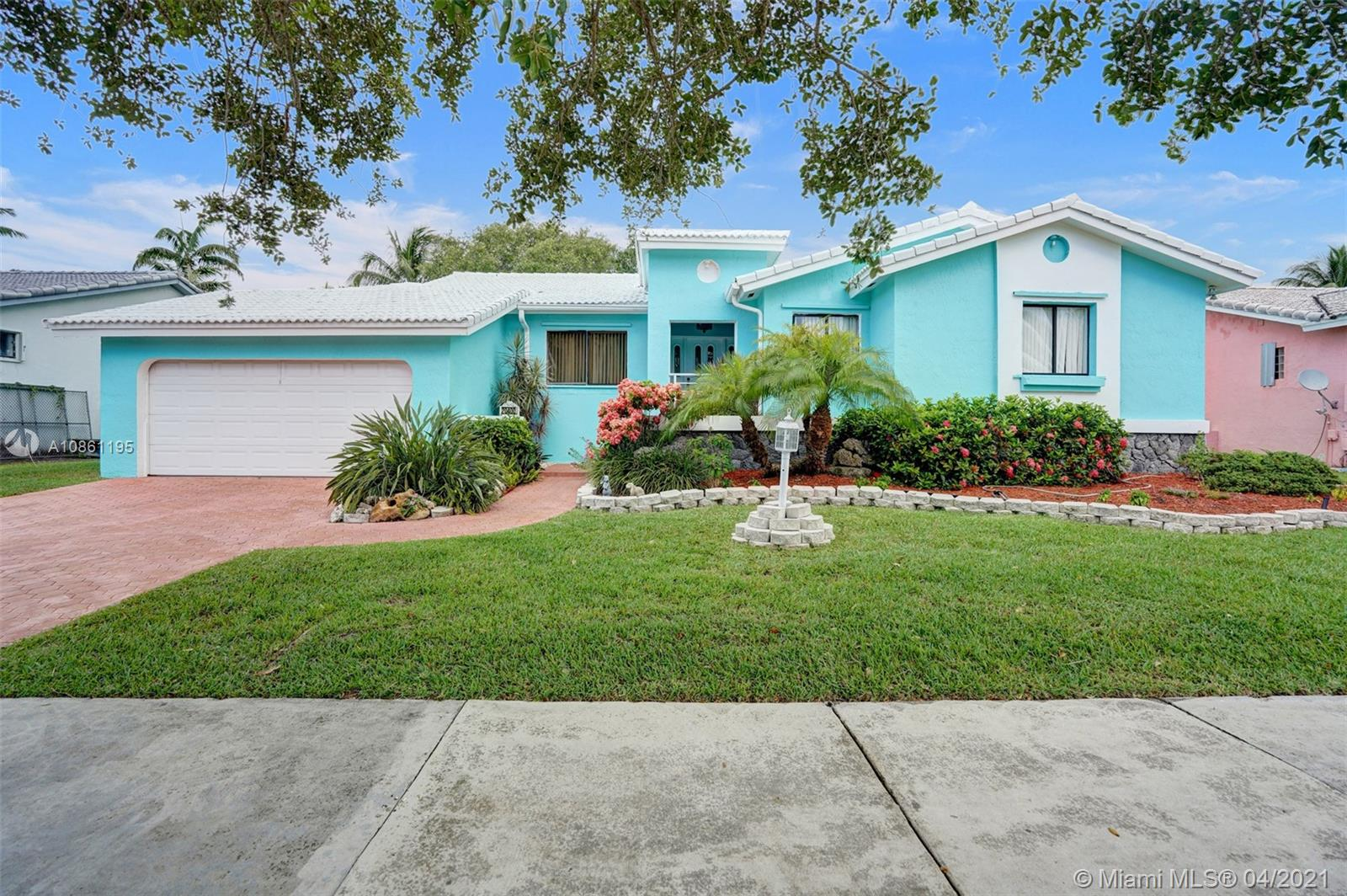 20400 SW 80th Ave  For Sale A10861195, FL