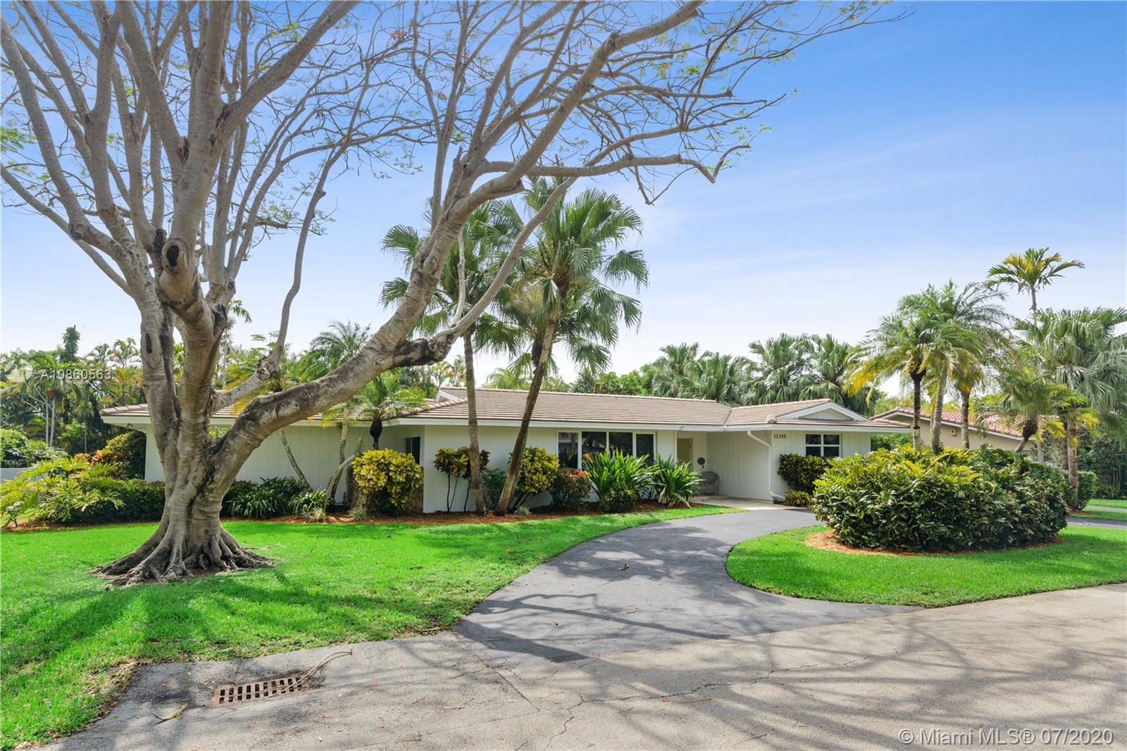 11355 SW 72nd Ct  For Sale A10860563, FL