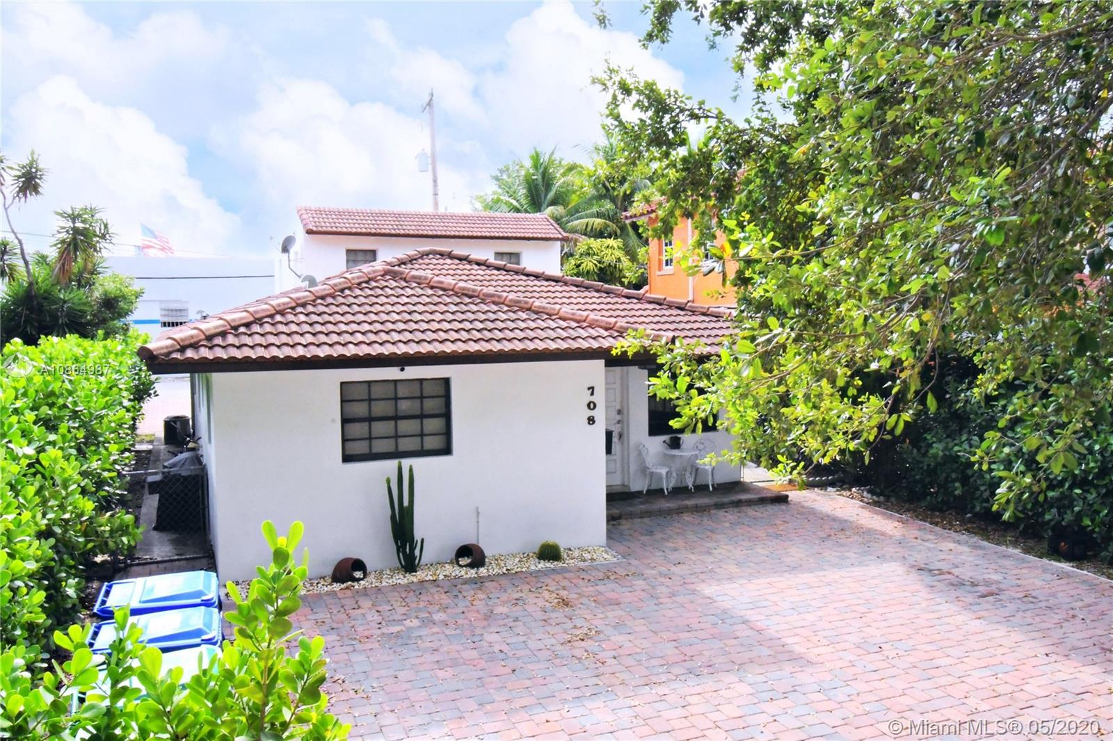 708 SW 39th Ct  For Sale A10864987, FL