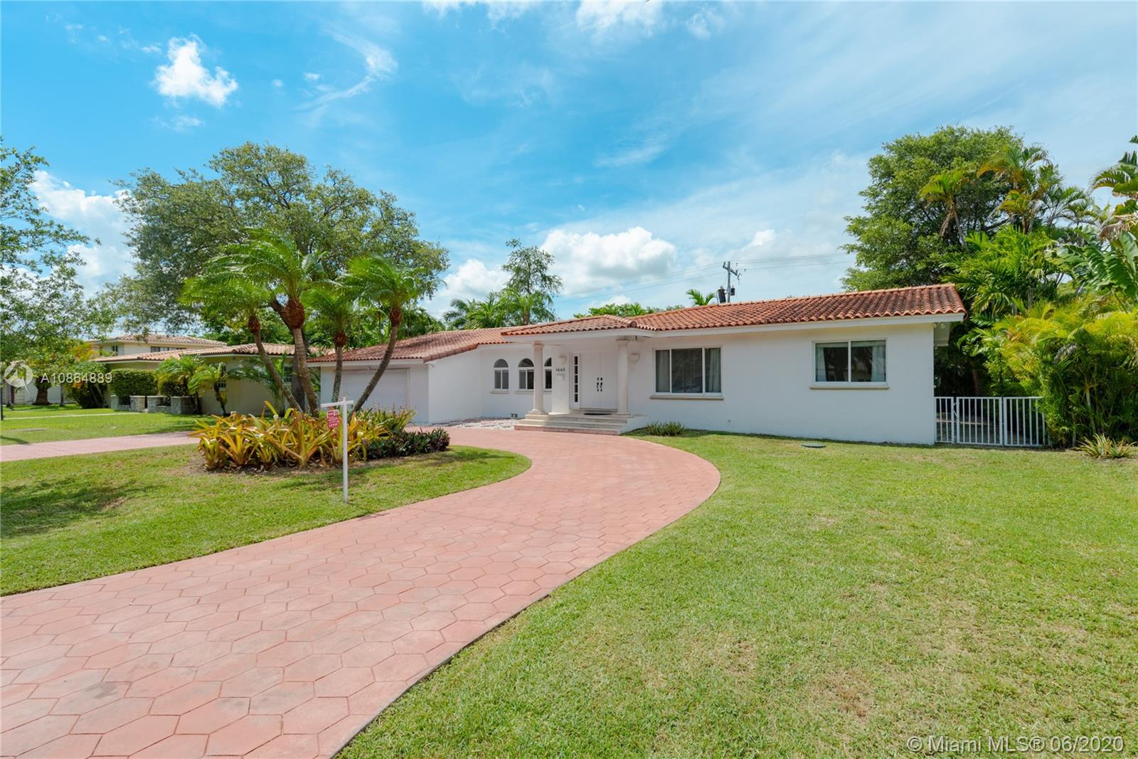 1443  Blue Rd  For Sale A10864889, FL