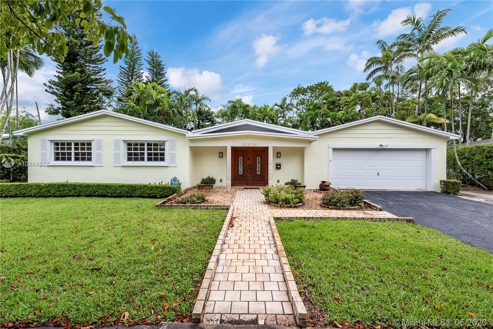 10520 SW 103rd Ave  For Sale A10864917, FL