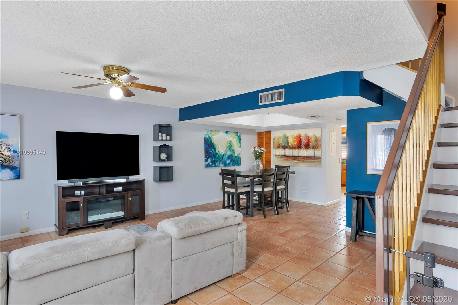 VERY SPACIOUS 3 BEDROOM / 2.5 BATH TOWNHOUSE IN FLAMINGO VILLAS ~ UPDATED KITCHEN WITH A SIT DOWN BAR AREA, GRANITE COUNTER TOPS, AND PANTRY ~ HALF BATH DOWNSTAIRS WITH LAUNDRY ~ ALL OF THE BEDROOMS ARE UPSTAIRS AND QUITE SPACIOUS AS WELL ~ FAMILY ROOM NEXT TO KITCHEN AND FORMAL DINING ROOM ~ SCREENED IN PRIVATE PATIO AREA ~ COMMUNITY HAS POOL AREA WITH PLENTY TO DO ~ GREAT LOCATION IN PEMBROKE PINES, CENTRALLY LOCATED NEAR SHOPPING, DINING, SCHOOLS, HIGHWAYS AND SO MUCH MORE....