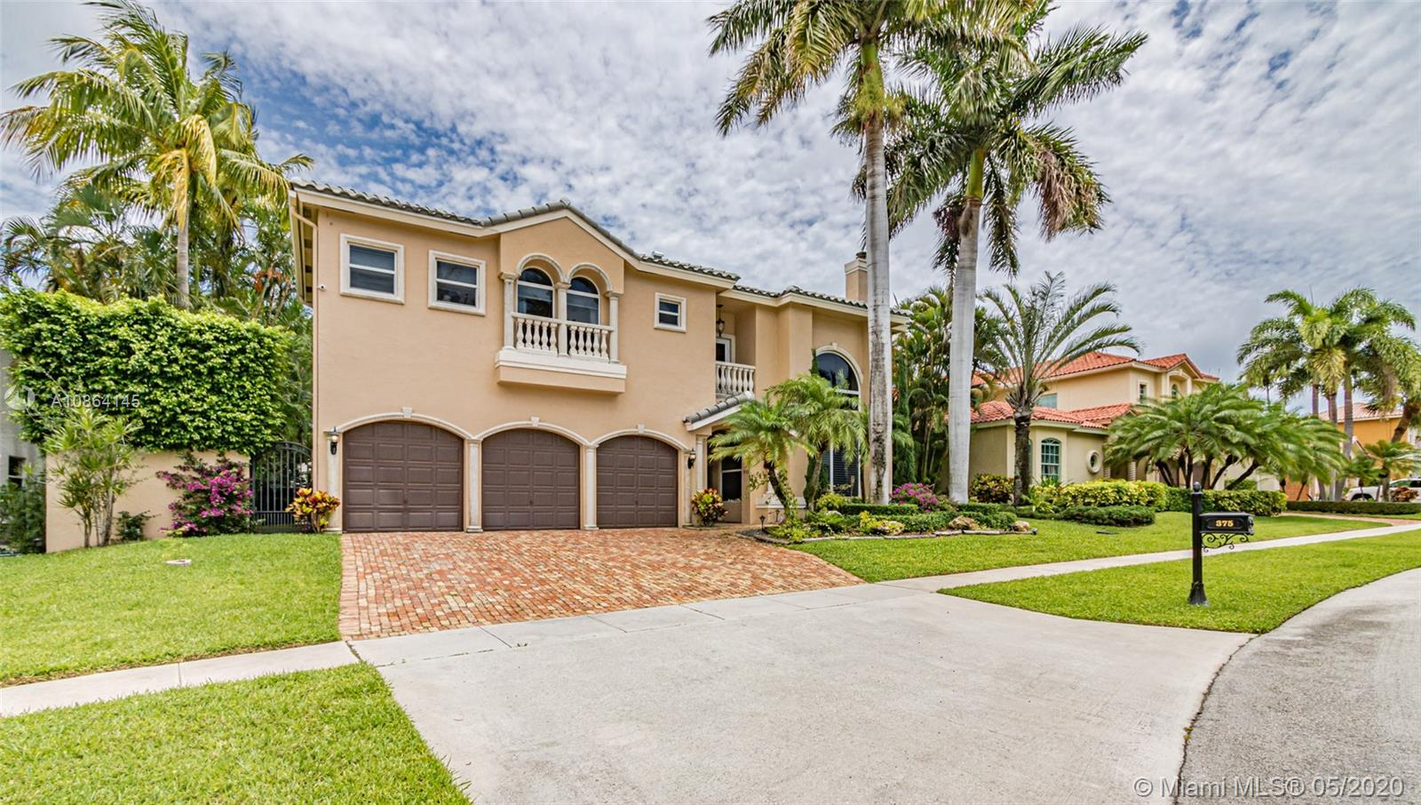 375 SW 16th St  For Sale A10864145, FL