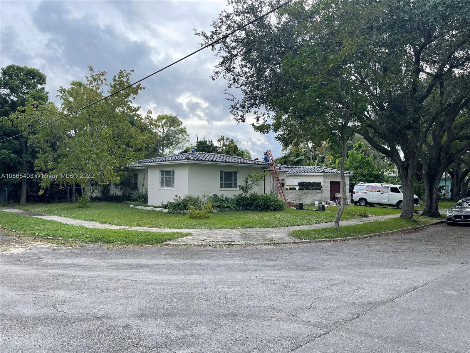 102 NW 105th St  For Sale A10865403, FL