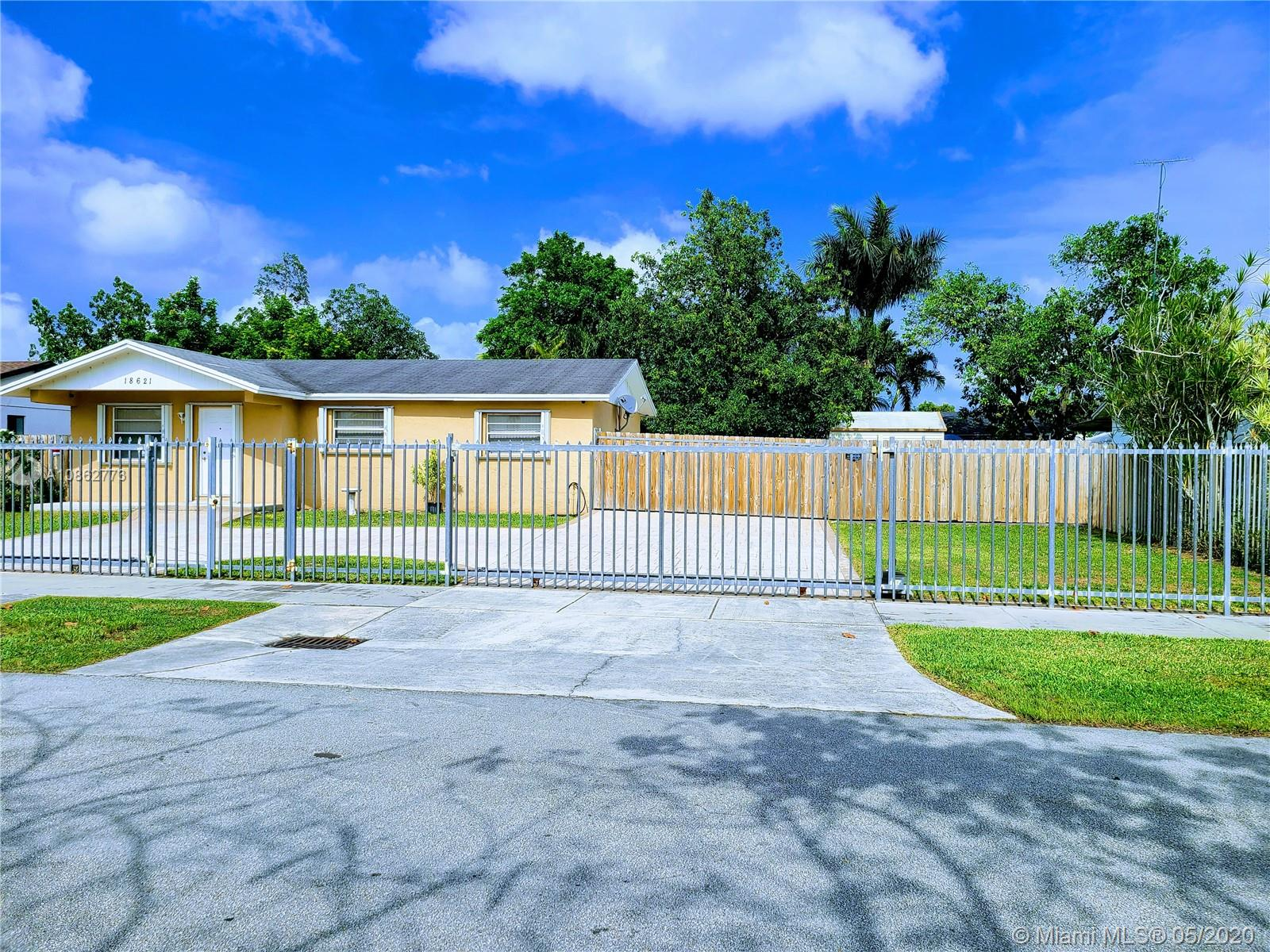 18621 SW 122nd Ct  For Sale A10862773, FL