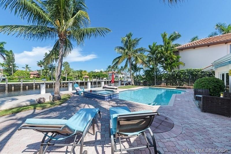 512  Isle Of Capri Dr  For Sale A10864651, FL
