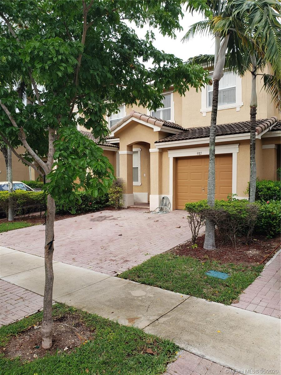 987 NE 42nd Ave  For Sale A10865627, FL