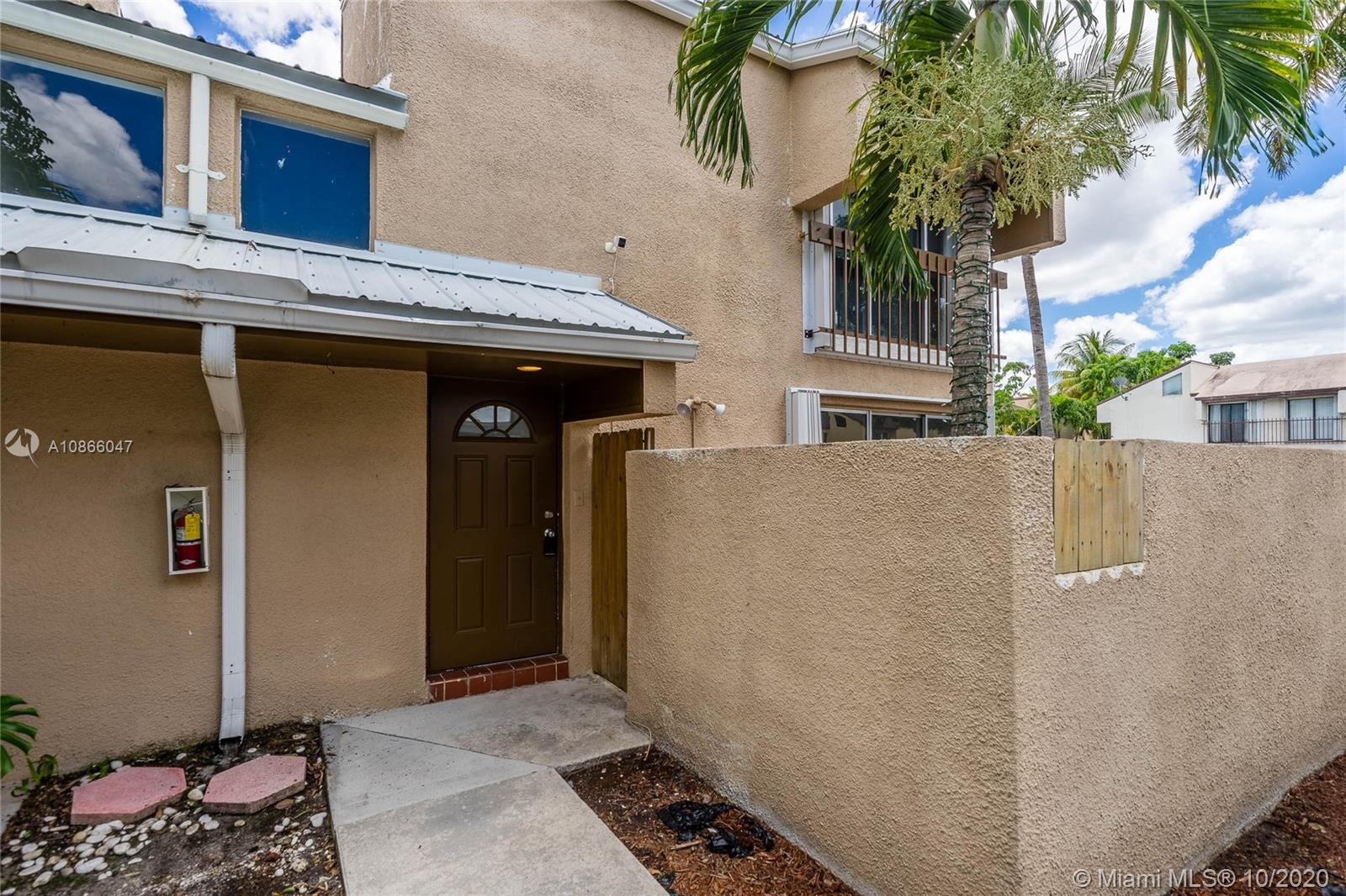 15855 SW 90 Ct  For Sale A10866047, FL