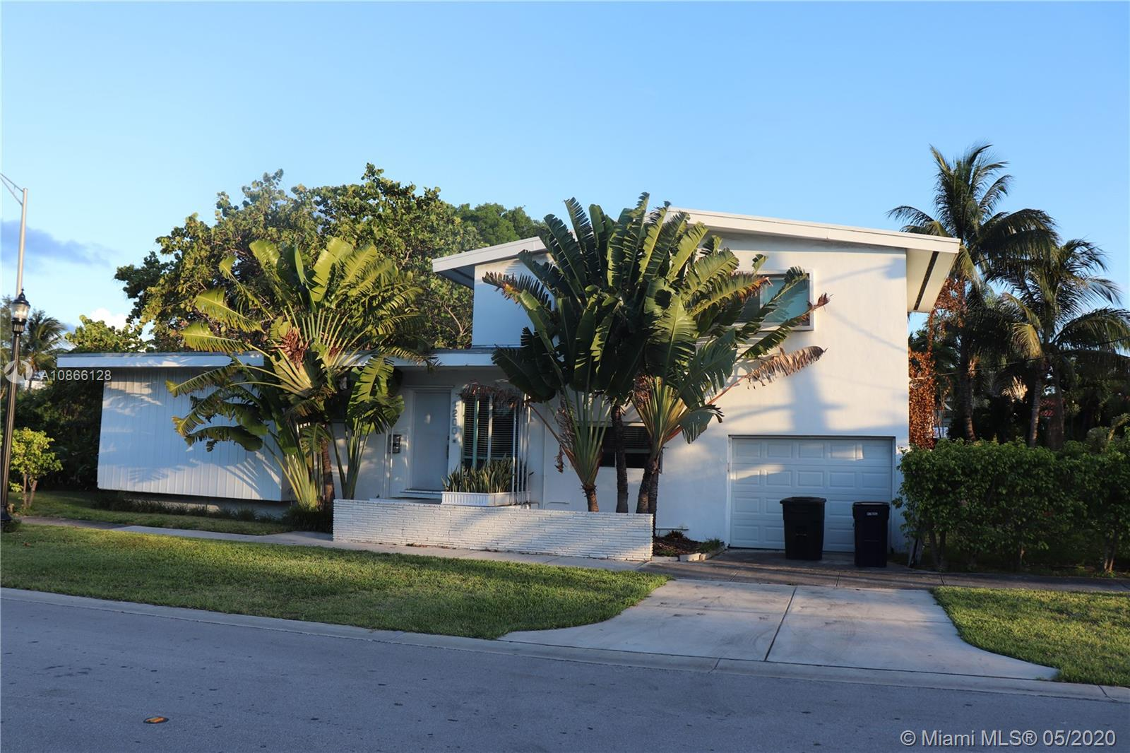 1200 W 21st St  For Sale A10866128, FL