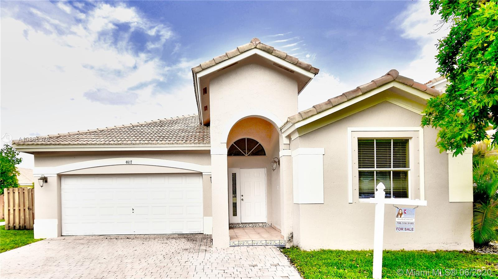 4617 NW 96th Ave  For Sale A10865376, FL