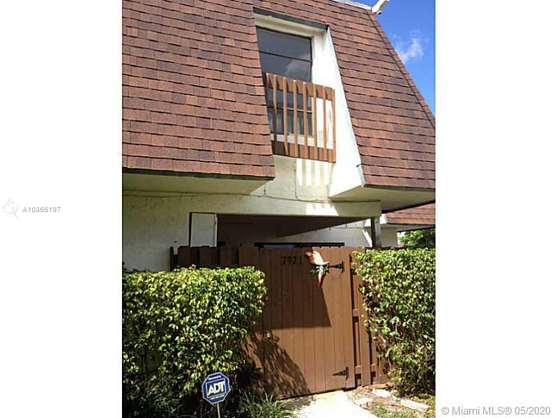ALERT! ALERT! OPPORTUNITY!!!! FLIP OR FIX TO LIVE IN! BEST PRICE IN THE COMMUNITY! THIS IS A 3 BEDROOM 2 AND HALF BATHROOM. PROPERTY NEEDS RENOVATION. A/C UNIT IS BRAND NEW! UNIT IS RIGHT NEXT TO THE POOL.COMPS ARE IN THE 200'S!