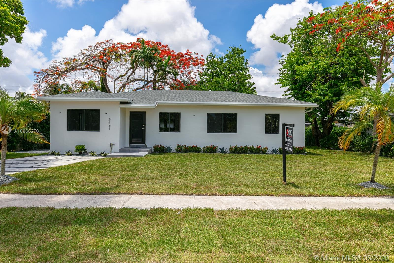 5961 SW 45th St  For Sale A10866278, FL