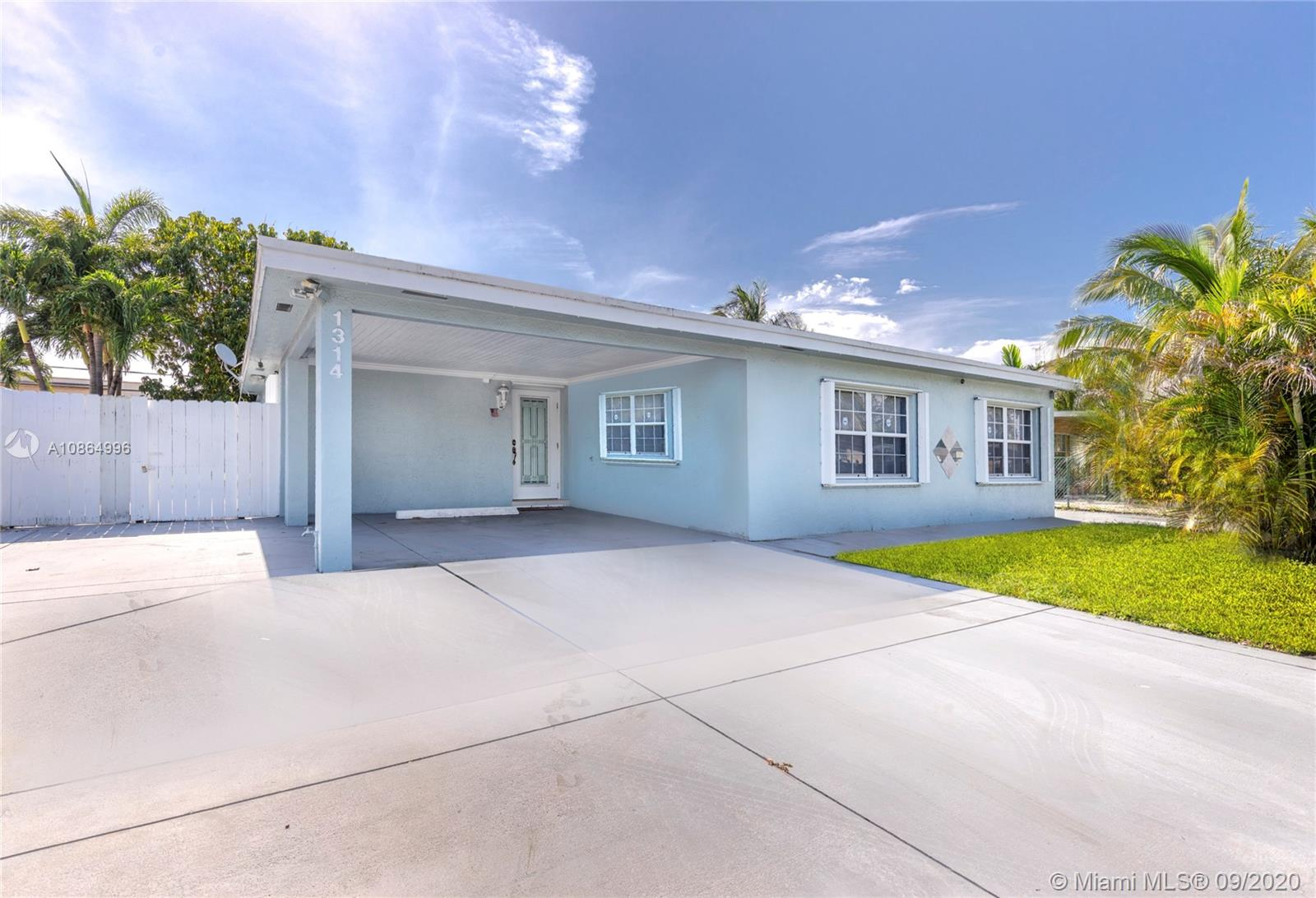 1314 SW 22nd Ave  For Sale A10864996, FL