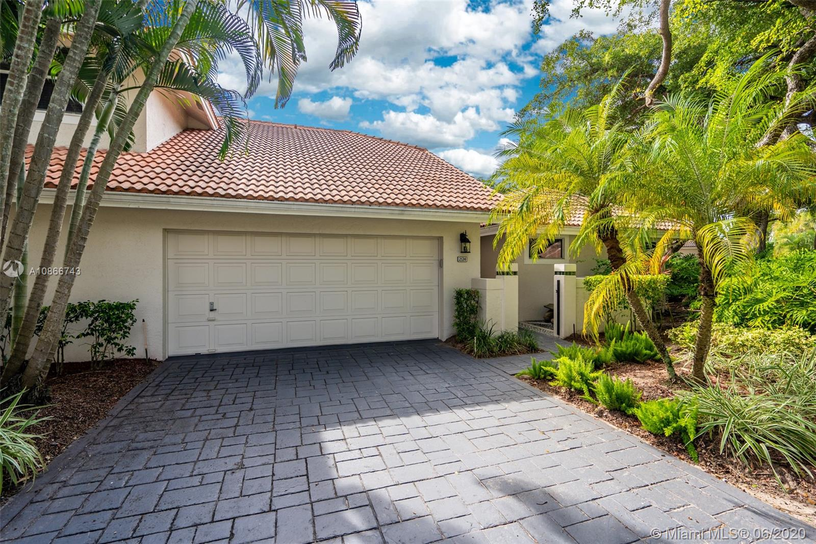 2124 NW 53rd St  For Sale A10866743, FL