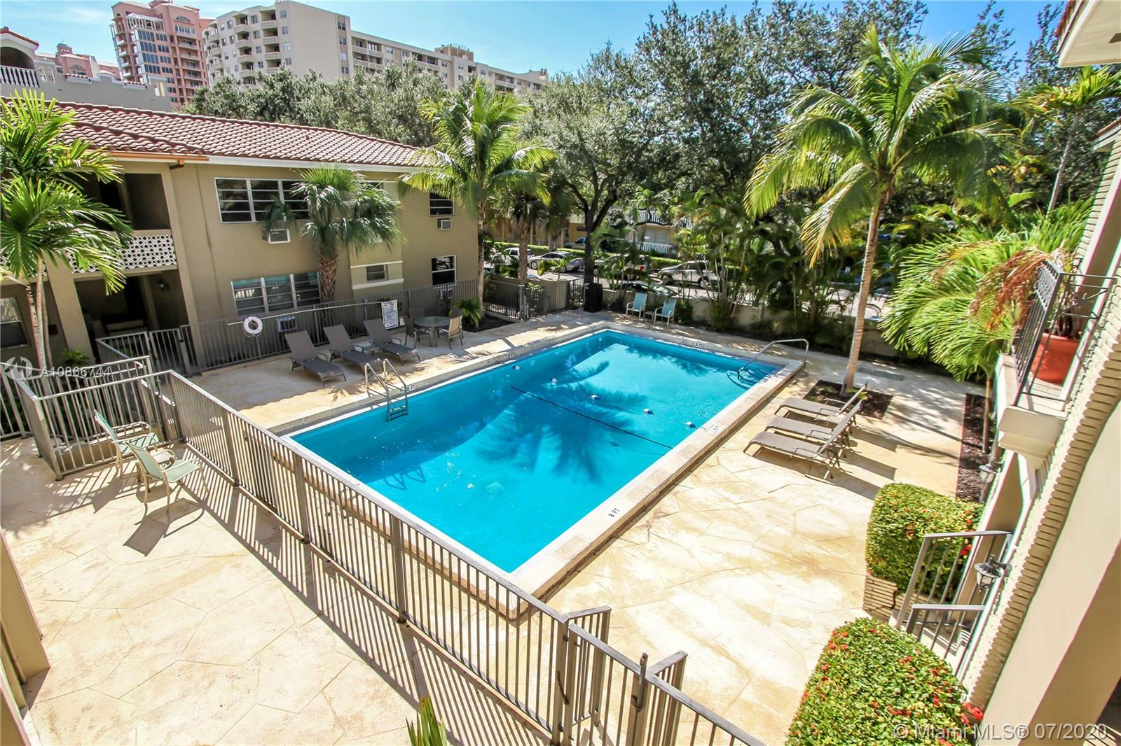 125  Edgewater Dr #15 For Sale A10866744, FL