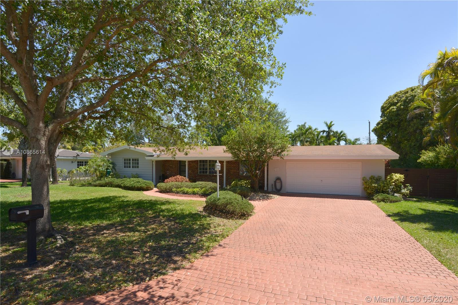 7420 SW 99th St  For Sale A10865614, FL