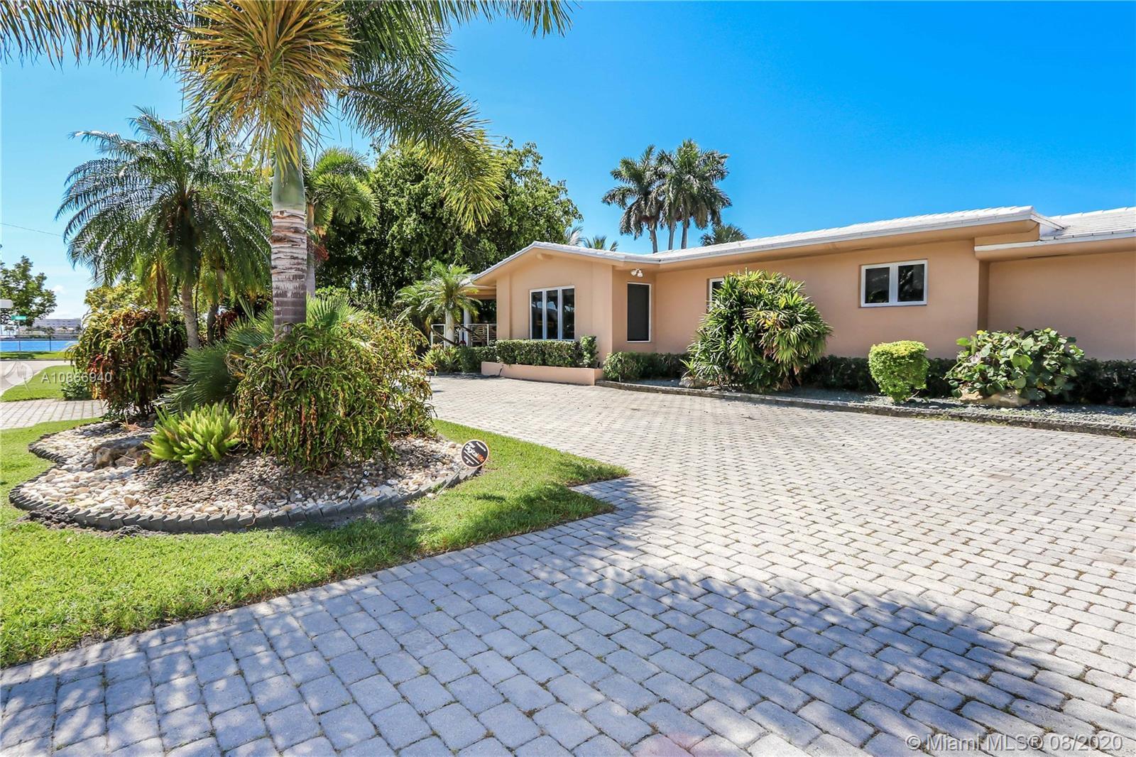 910  Jefferson St  For Sale A10866940, FL