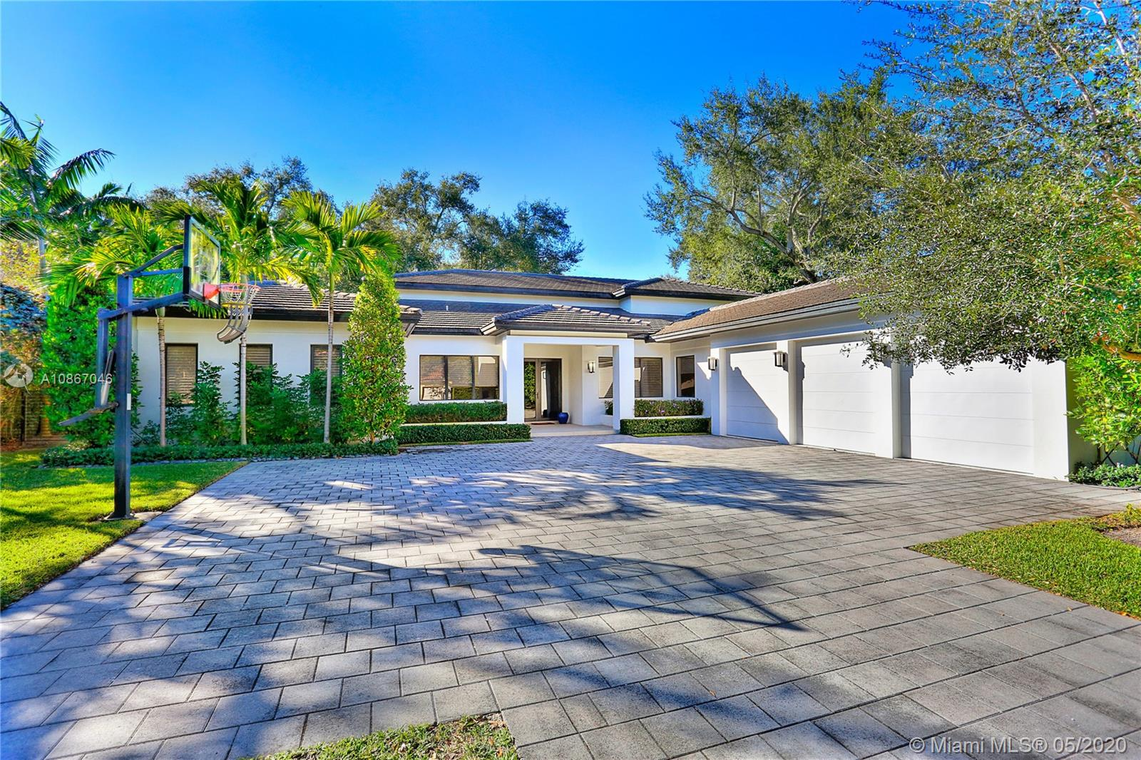 7710  Erwin Rd  For Sale A10867046, FL