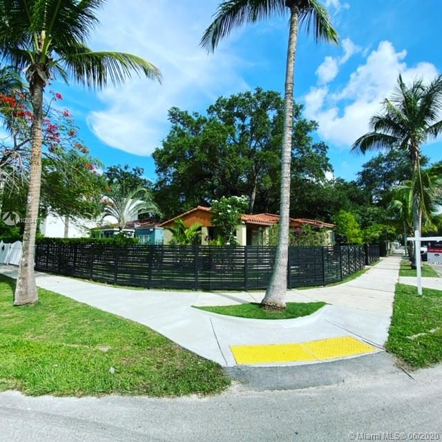 2751  Kirk St  For Sale A10864178, FL