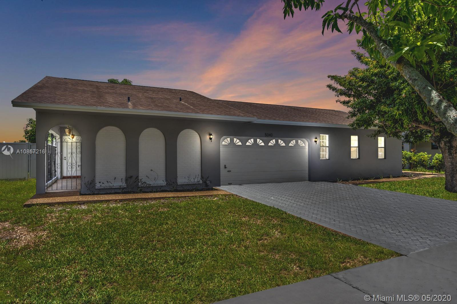 5040 SW 87th Ter  For Sale A10867216, FL