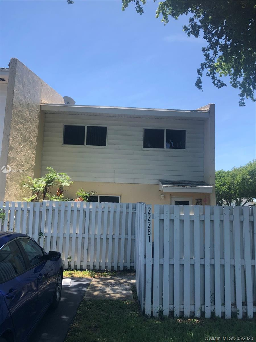 22281 SW 103rd Ave  For Sale A10867527, FL