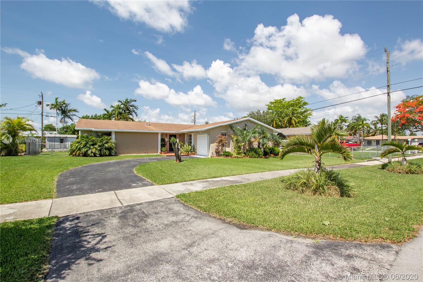 9916 SW 193rd St  For Sale A10867049, FL