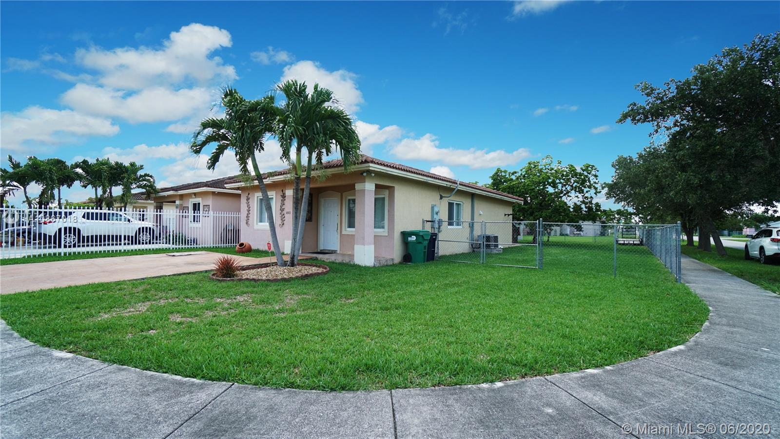 10513 SW 182nd St  For Sale A10867018, FL