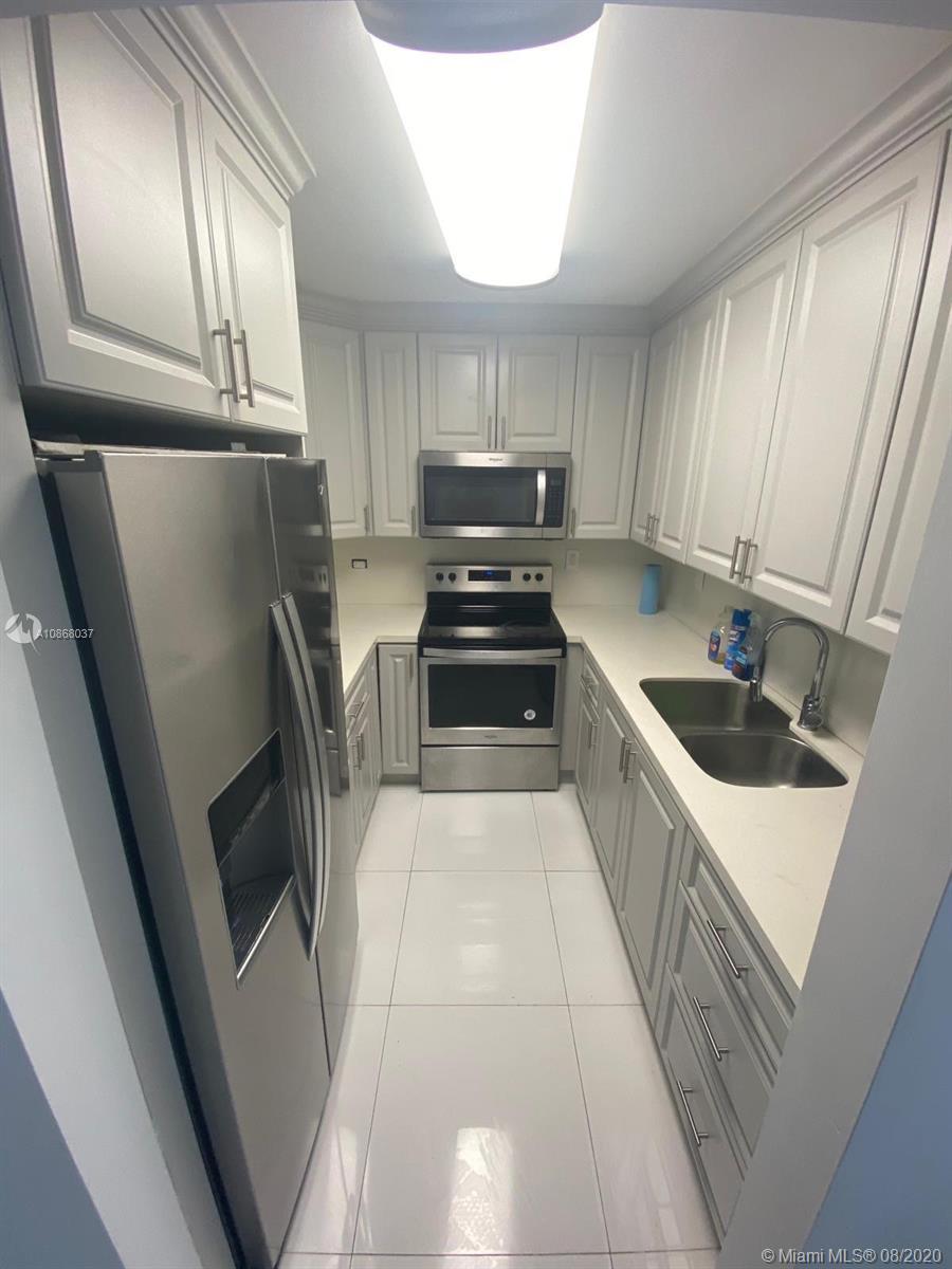 13480 NE 6th Ave #113 For Sale A10868037, FL