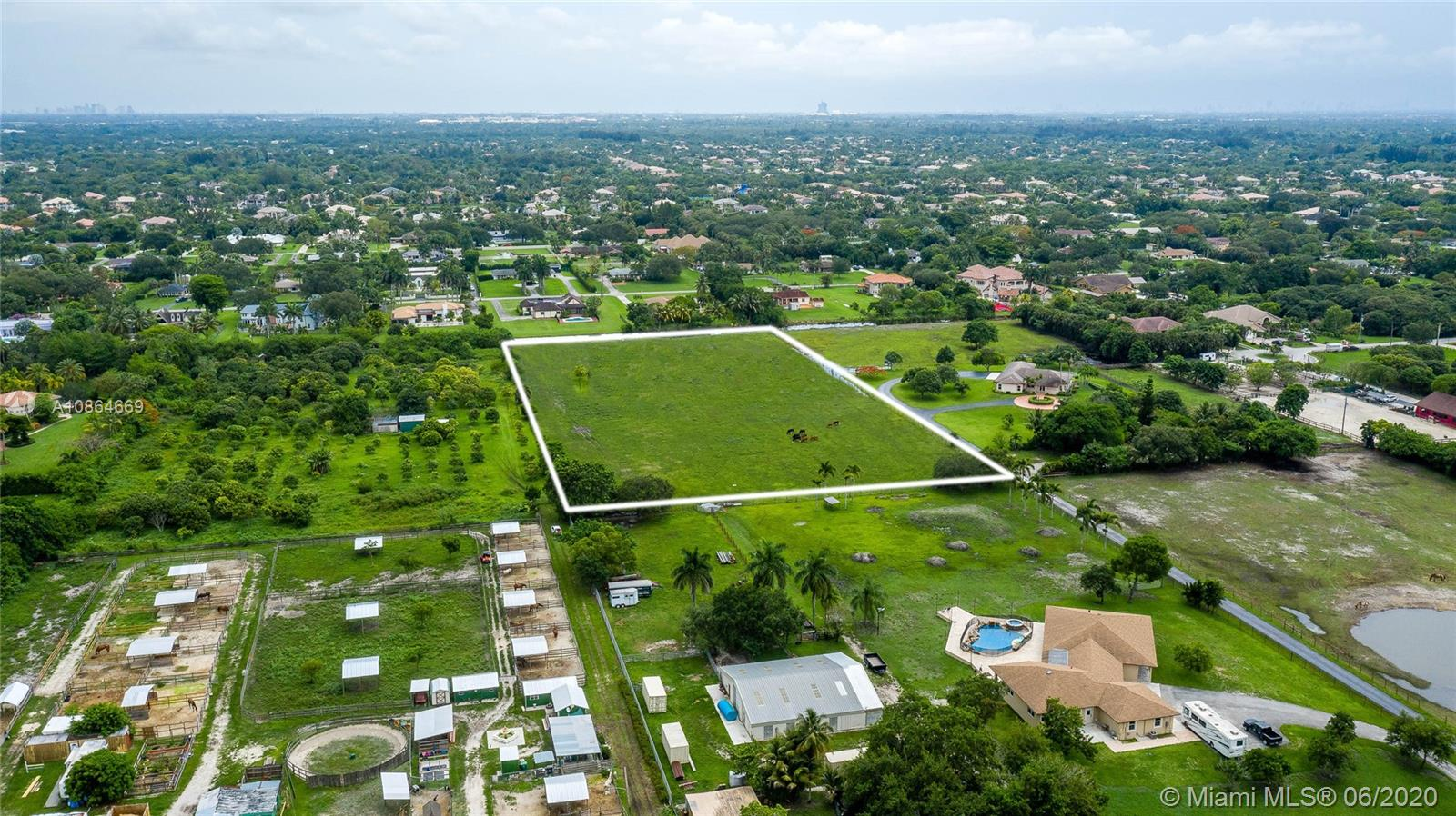 117  Sw Ave  For Sale A10864669, FL