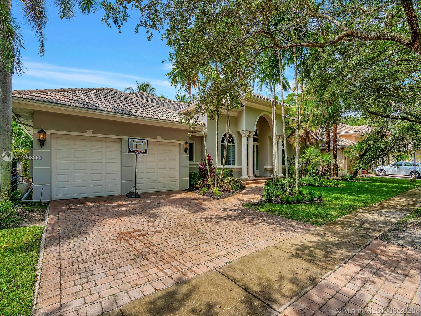 3442  Shady Oak St  For Sale A10868390, FL