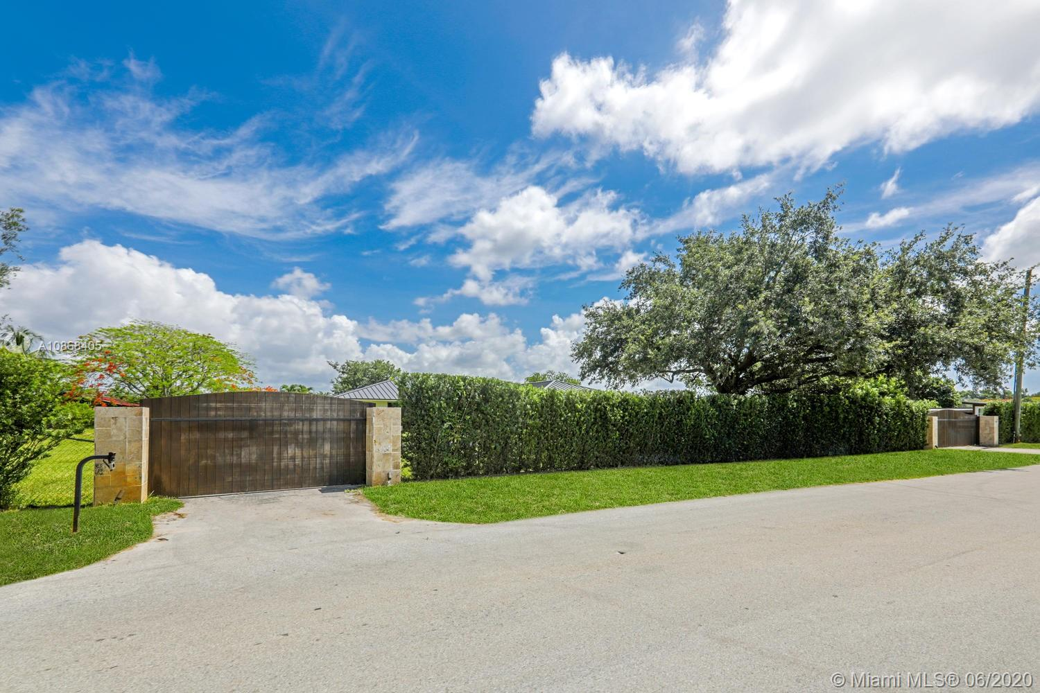 12201 SW 64th St  For Sale A10868405, FL