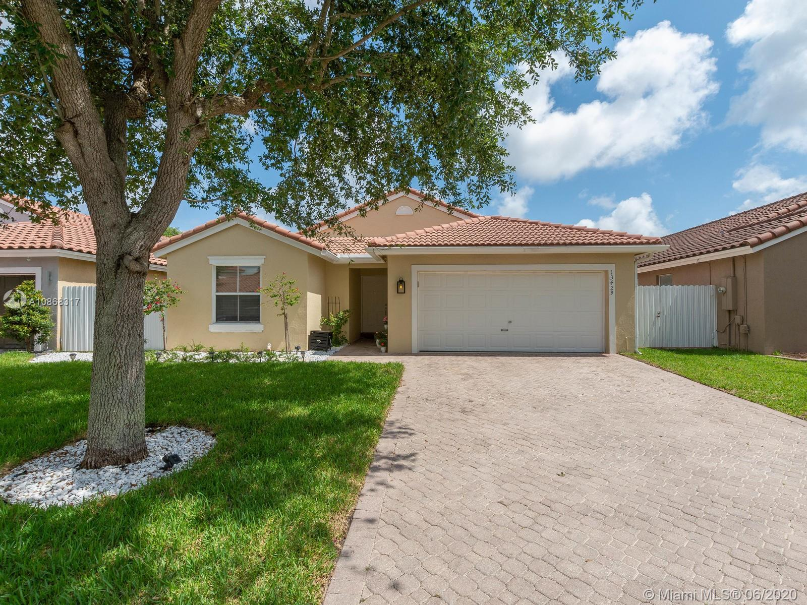 13429 SW 144th Ter  For Sale A10868317, FL