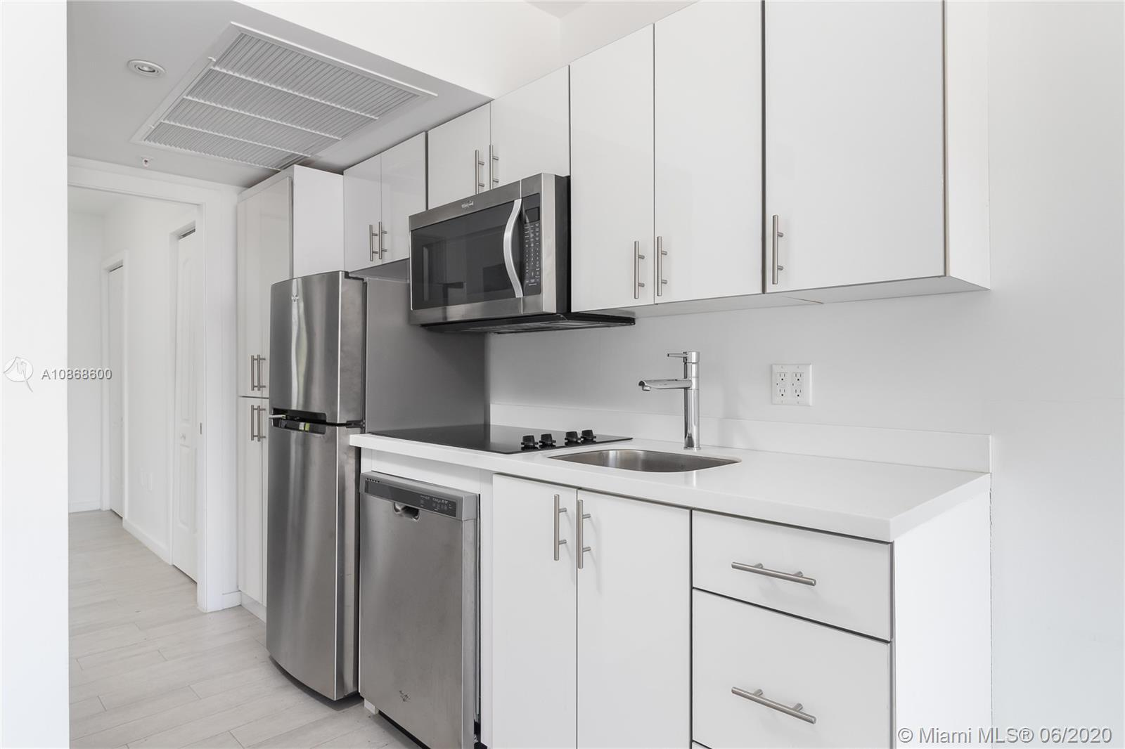 1601  Meridian Ave #207 For Sale A10868600, FL