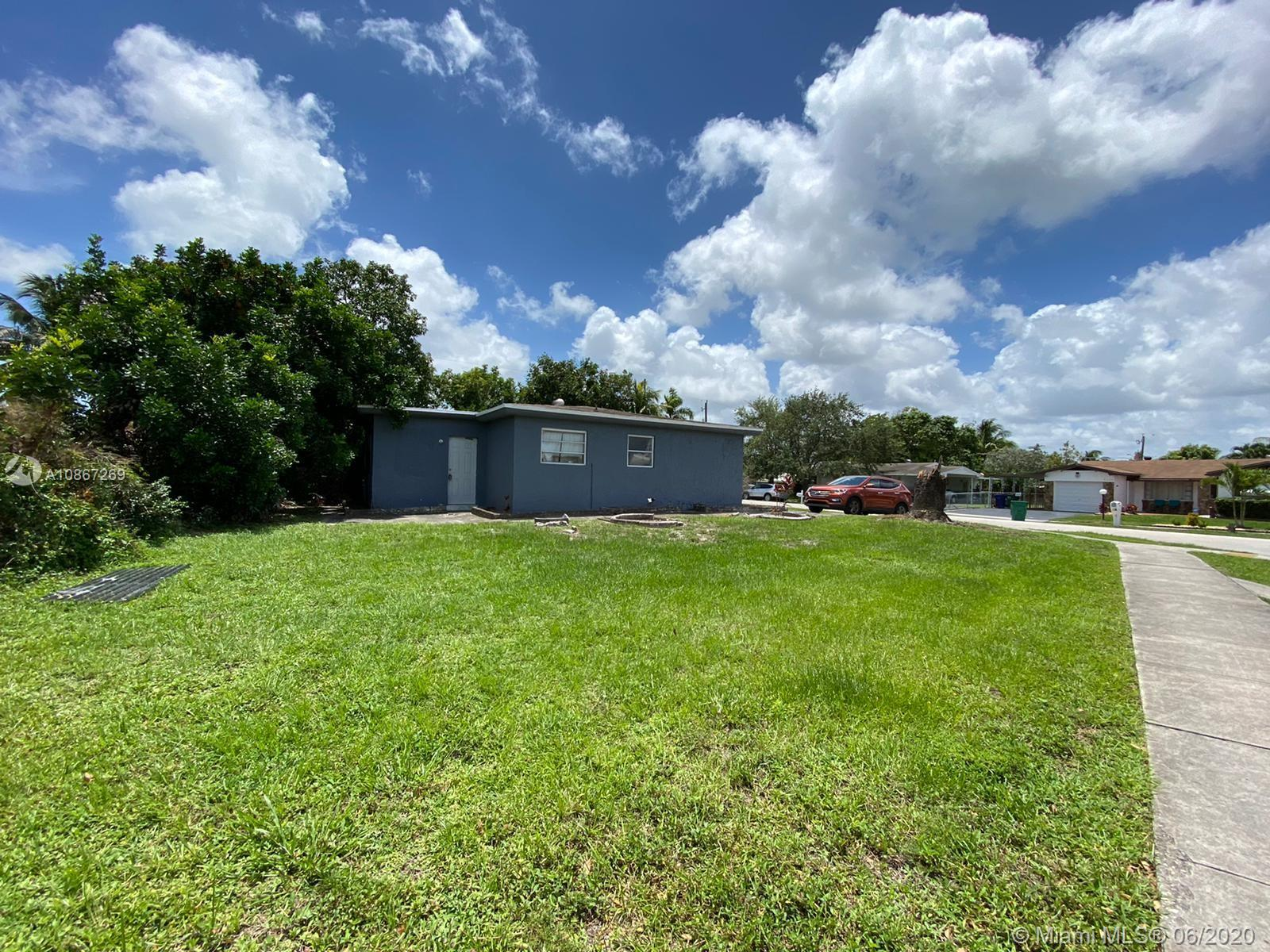 1870 SW 42nd Ter  For Sale A10867269, FL