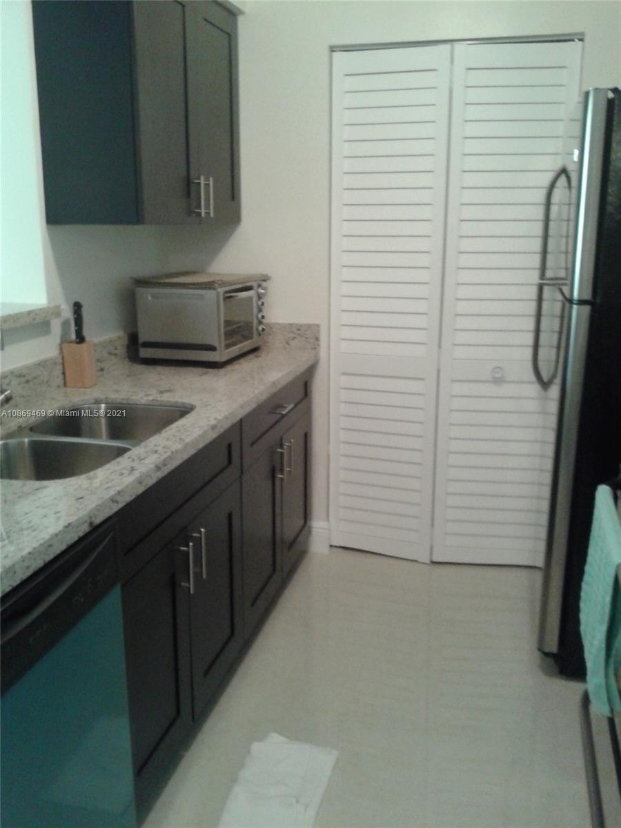 19701 E Country Club Dr #5505 For Sale A10869469, FL