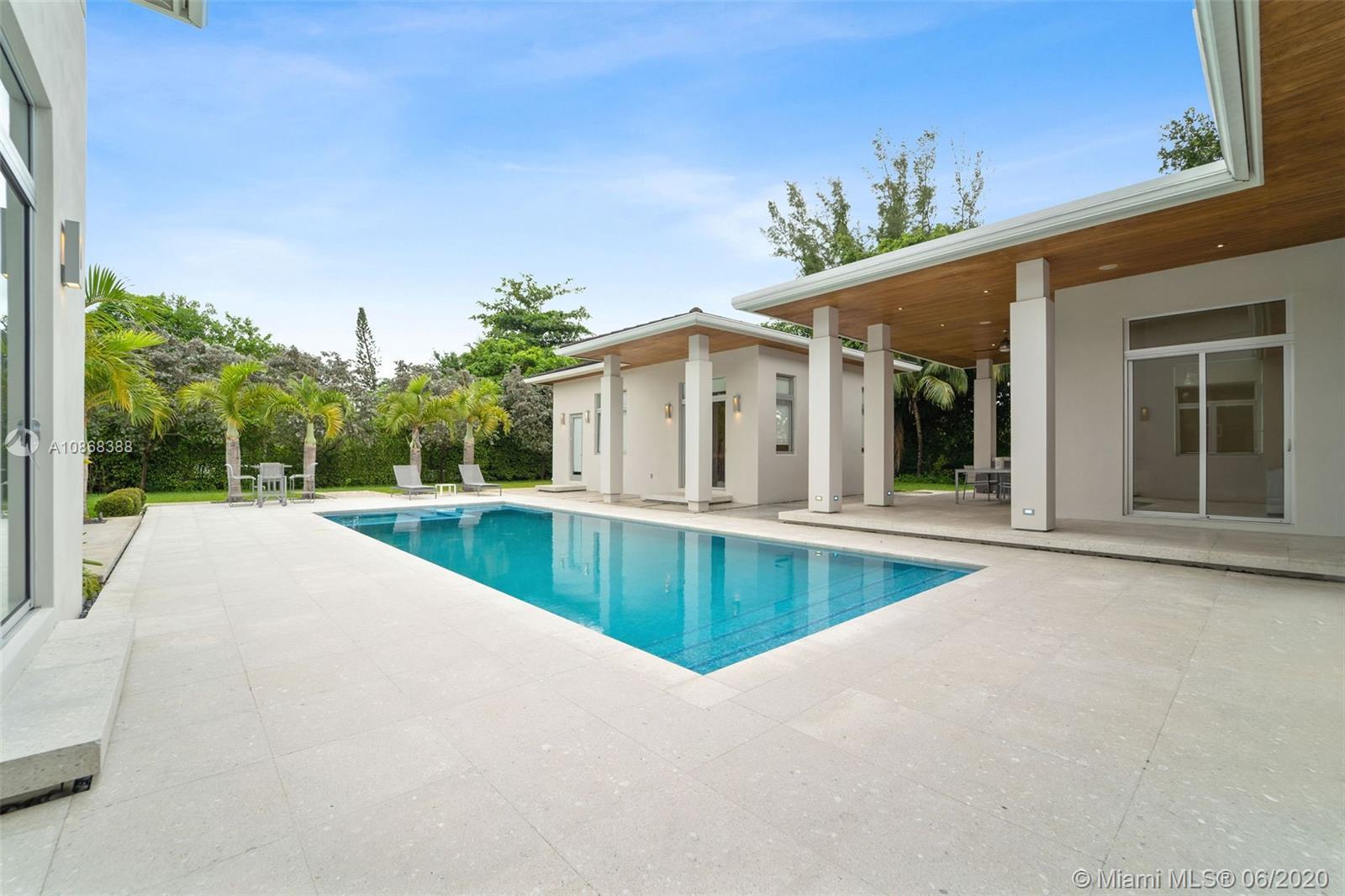 5655 SW 81st Terrace  For Sale A10868388, FL