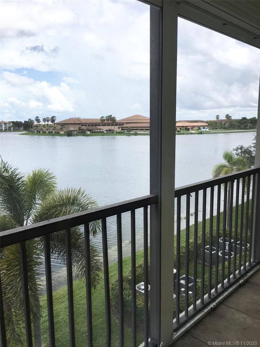 1400 SW 131st Way #302Q For Sale A10867572, FL