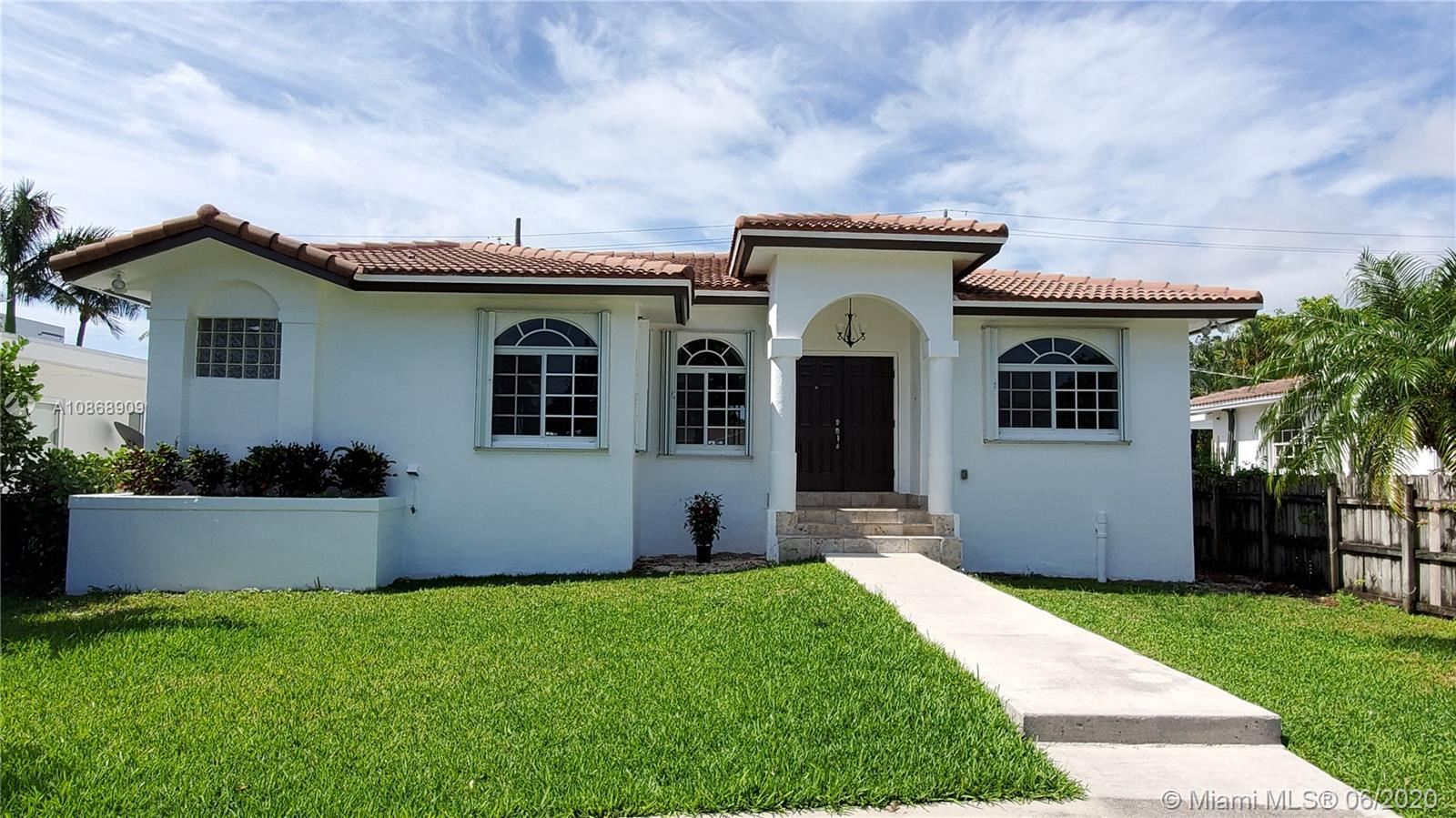 936 NE 80th St  For Sale A10868909, FL
