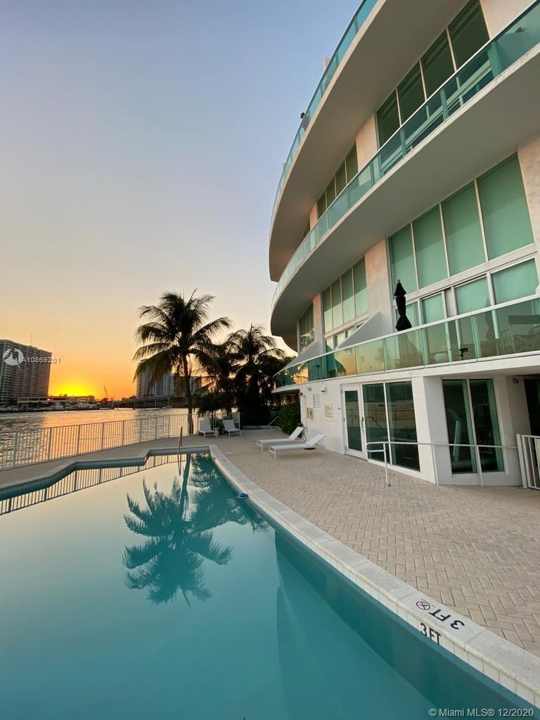 2000  Bay Dr #203 For Sale A10869201, FL