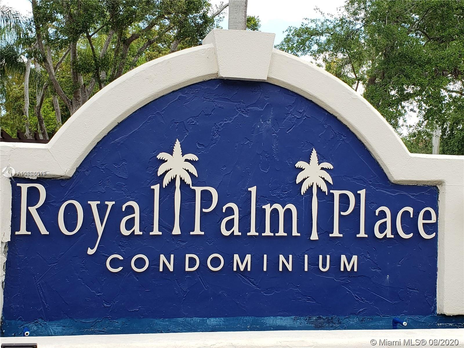 UPDATED 2 BED / 2 BATH CONDO. SPLIT BEDROOM FLOOR  PLAN BOTH BATHROOM, SPACIOUS FORMAL DINING AREA AS WELL AS LIVING AREA WITH HIGH CEILINGS. OPEN KITCHEN, GRANITE COUNTER TOP, PERFECT FOR ENTERTAINING, SPACIOUS BALCONY WITH STORAGE ROOM. ROYAL PALM PLACE OFFERS A BASKETBALL COURT, KIDS PLAYGROUND, CLUBHOUSE, GYM. TENNIS COURTS, POOL & JACUZZI AND 24/7 PUBLIC SAFETY SERVICES. ENJOY THE 7-MILE PATH AT THE HAMMOCKS LAKE, HAMMOCKS ASSOCIATION ALSO INCLUDES 3 CLUBHOUSES AND COMMUNITY POOLS, RACQUETBALL, TENNIS COURTS, GYM AND MUCH MORE.