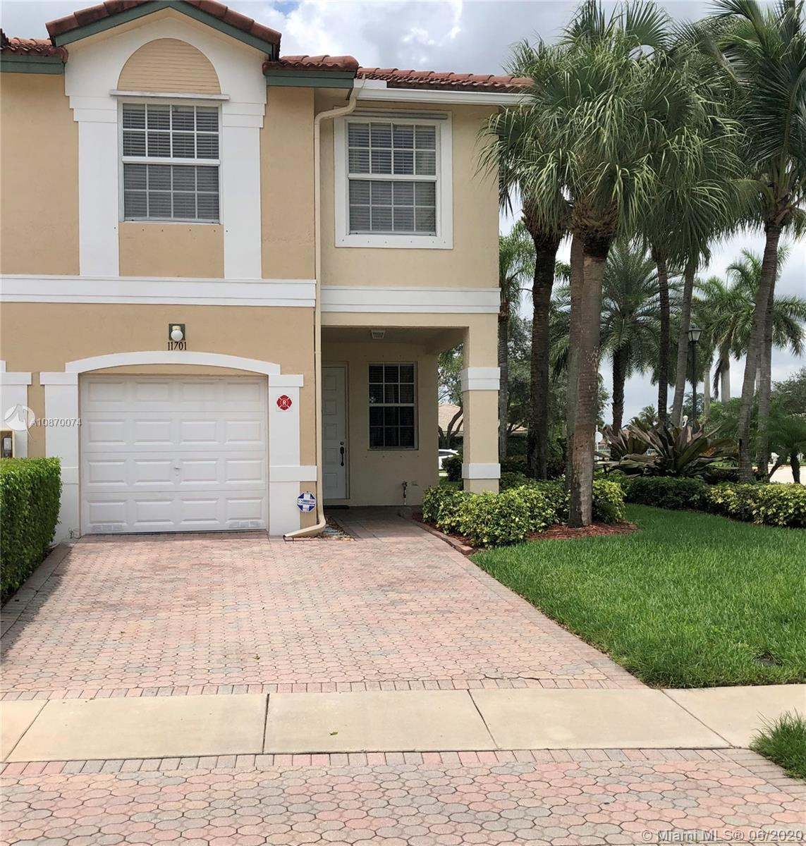 Very well maintained, 4 bedrooms, 2.5 Bathrooms, end unit Town-home, in Coral Springs, FL. Pelican Pointe is a townhouse community located within Wyndham Lakes, easy access to the Sawgrass Expressway, and centrally located for shopping and dining. Schedule your showing today on Showing Time.