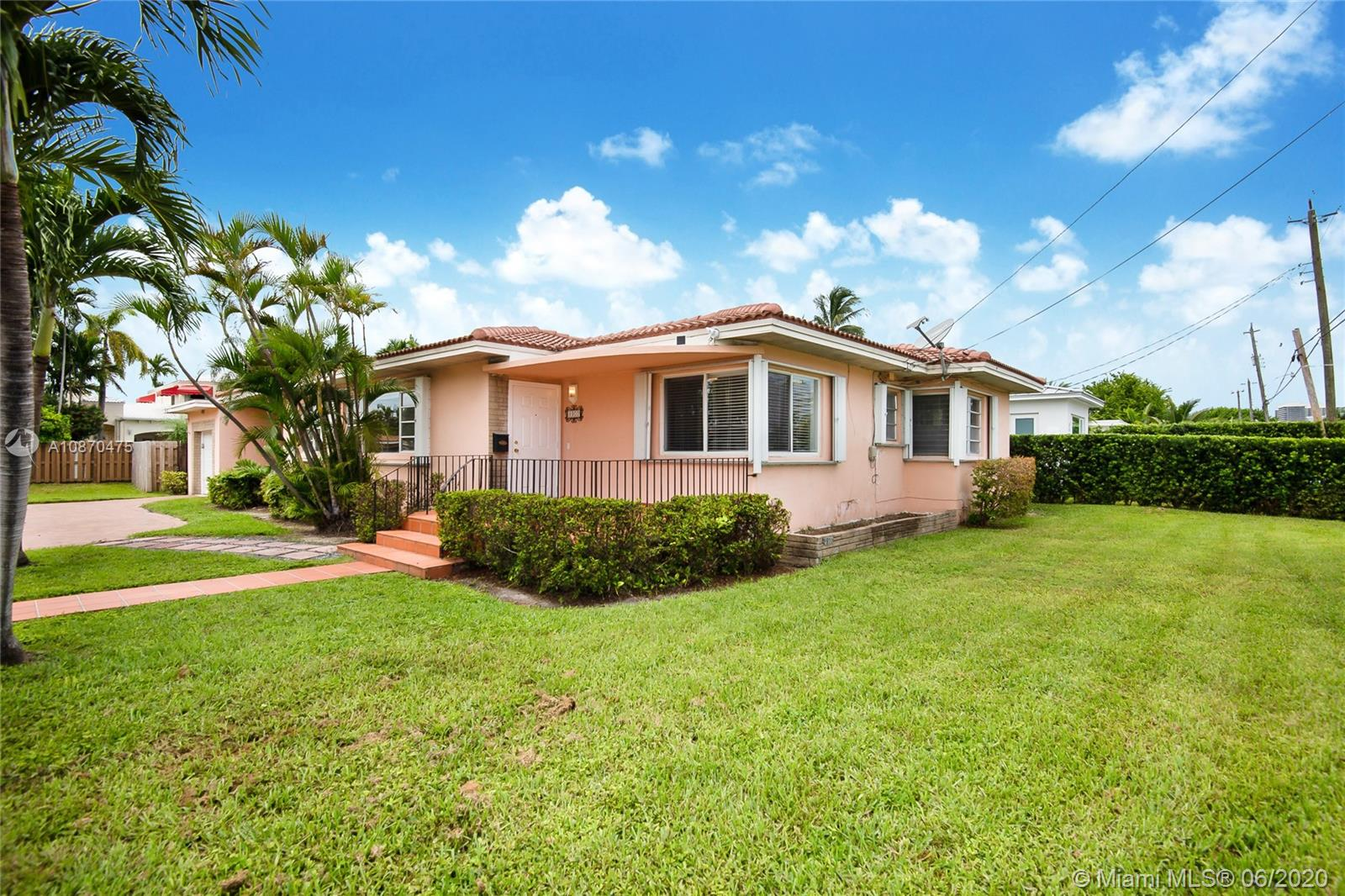 8900  Abbott Ave  For Sale A10870475, FL