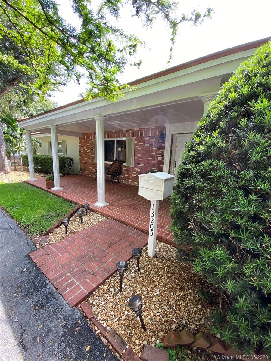 13205 SW 71 Ave  For Sale A10870795, FL