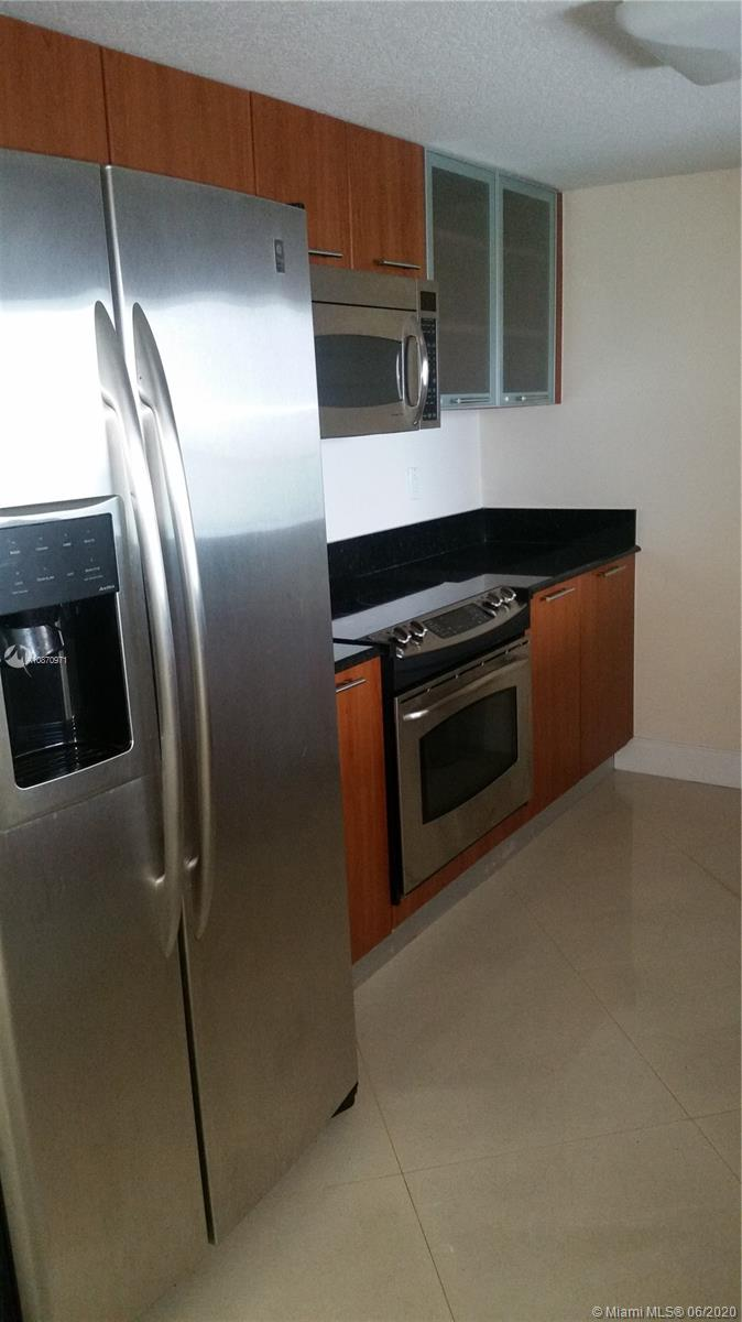 1/1 $1900/mo. All Amenities; Party room,pool,sauna,steam room,start of the art gym, 24hr security, valet parking. Appliances, New A.C Washer + Dryer inside the unit. Parking space #667 close to elavator. Tenant Occupied until July 1st 2020.