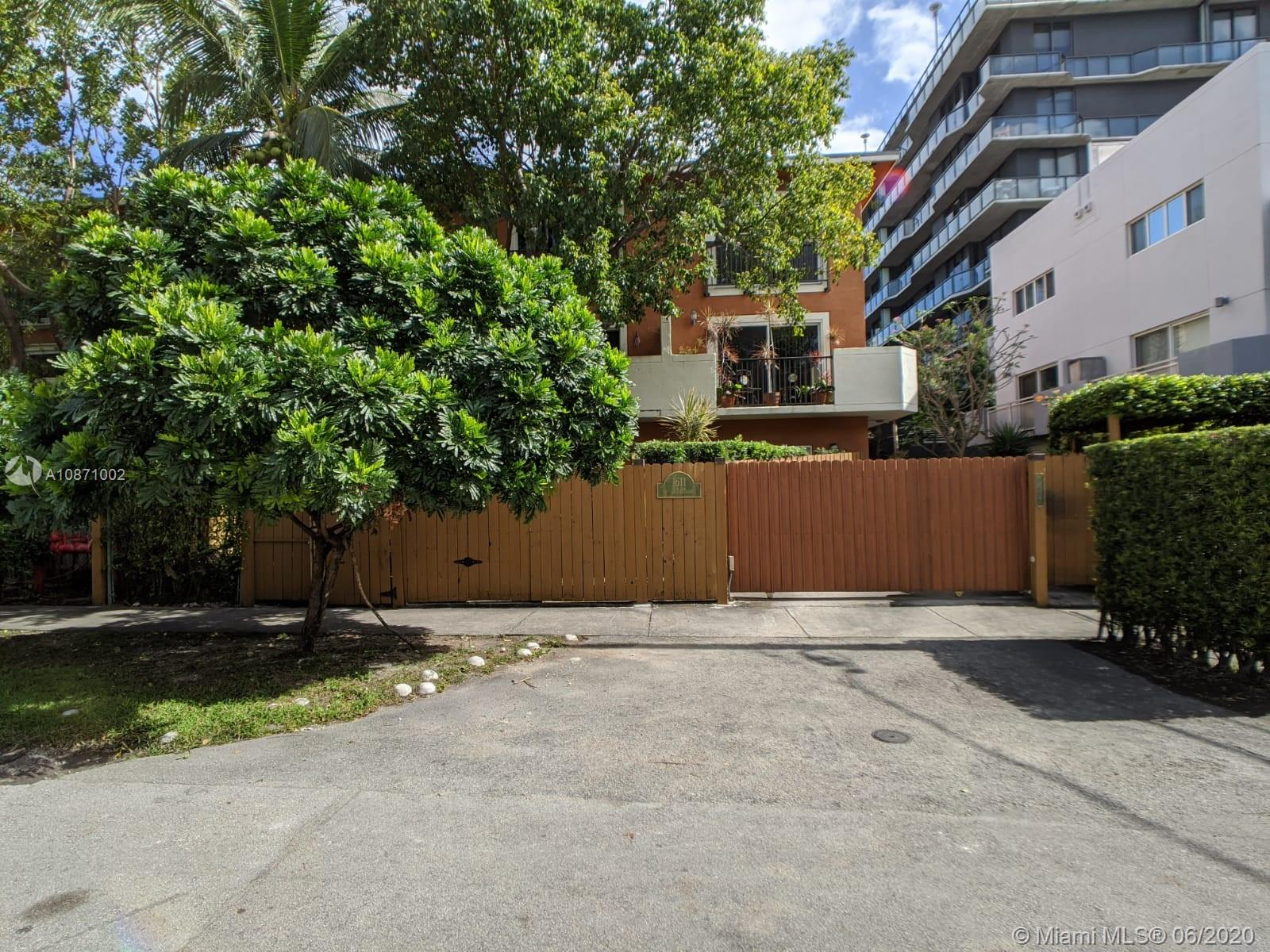 1611 SW 2nd Ct #E113 For Sale A10871002, FL