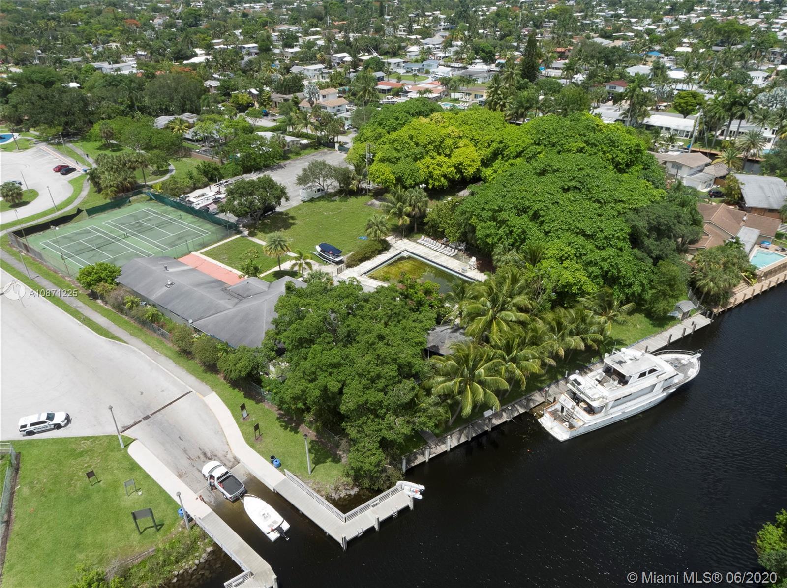 2637  Whale Harbor Ln  For Sale A10871225, FL