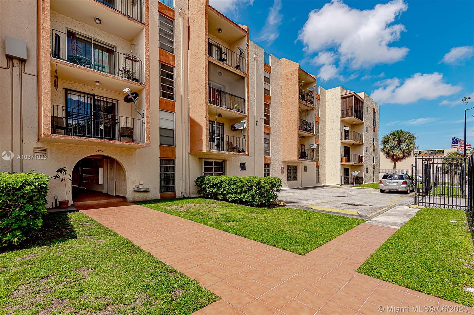 1051 SW 1st St #202 For Sale A10871023, FL