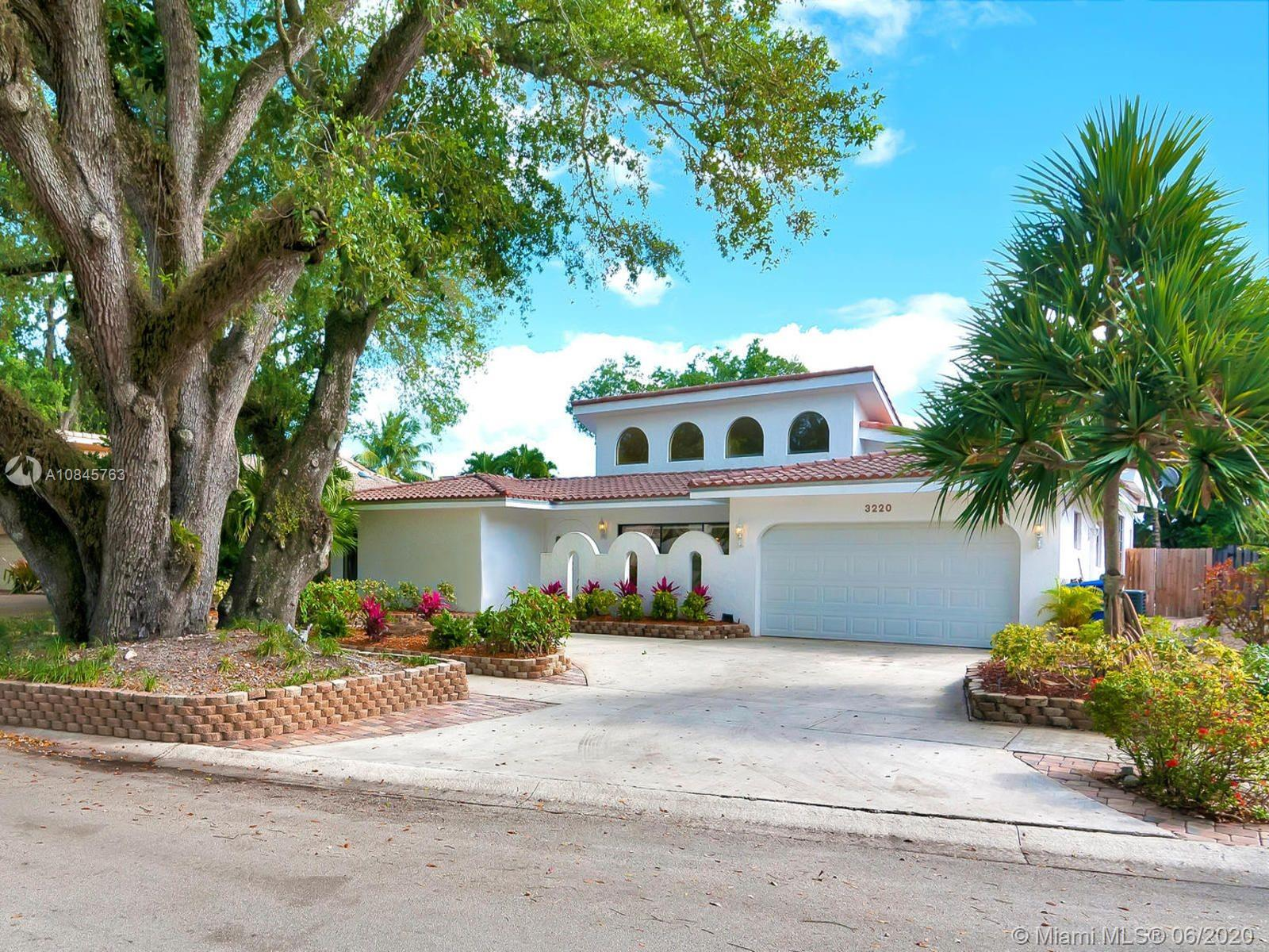 3220 N 37th St  For Sale A10845763, FL